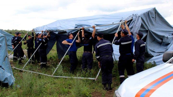 Loclanicii din Ştefan Vodă, îngrijoraţi să nu fie inundaţi. Au început lucrările de consolidare a digurilor de protecţie