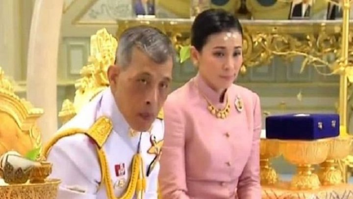 Regele thailandez Vajiralongkorn s-a căsătorit cu garda lui de corp pe care a transformat-o în regină