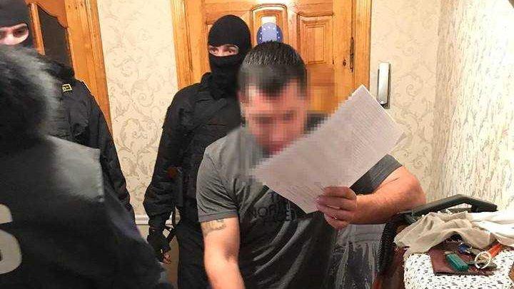 Şapte membri ai unei reţele criminale, pe mâna procurorilor pentru escrocherii imobiliare