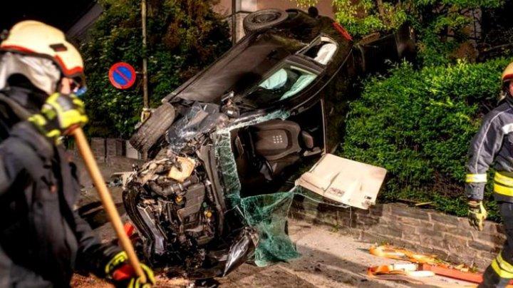 Un român beat a provocat două accidente pe o stradă din Austria. Tânărul a fugit de la faţa locului