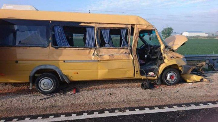 Microbuz şcolar din Beiuş, plin cu elevi, accident teribil în Ungaria. O copilă a murit