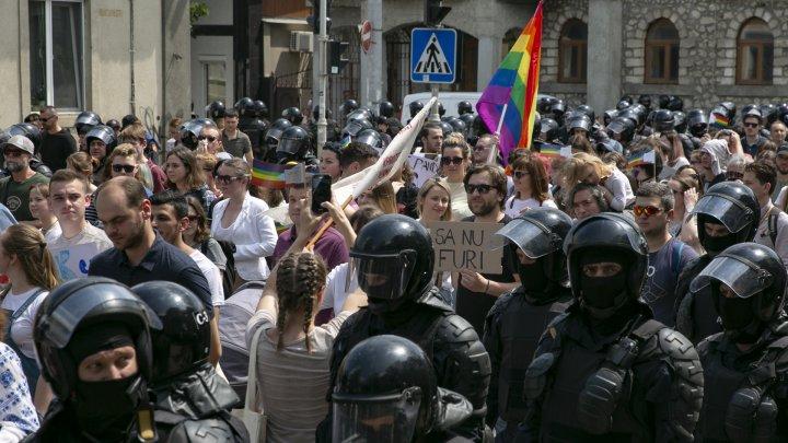 În PAS cu LGBT. Deputatul Dumitru Alaiba participă la marșul minorităților sexuale (FOTO)
