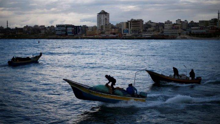 Israel a anunțat redeschiderea zonelor de pescuit în largul Fâşiei Gaza