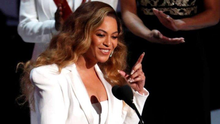 Beyonce are două albume între primele 10 poziţii din topul american Billboard