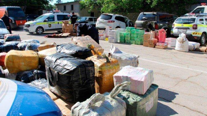 Mărfuri de contrabandă de peste 1 milion de lei, confiscate de poliție. De unde erau aduse bunurile şi ce riscă suspecţii