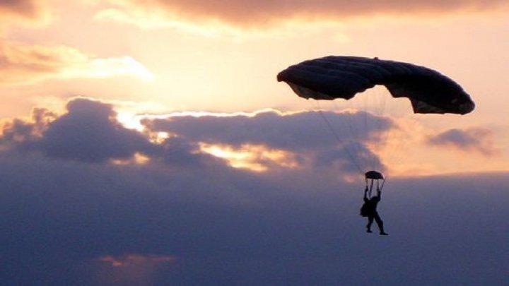 Doi paraşutişti au murit în timpul unui salt în Germania. Cauza, necunoscută