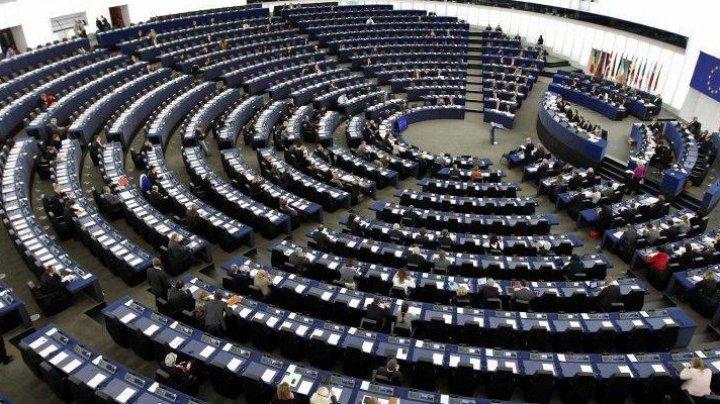 ZI DECISIVĂ. Românii îşi aleg astăzi deputaţii care îi vor reprezenta în Parlamentul European