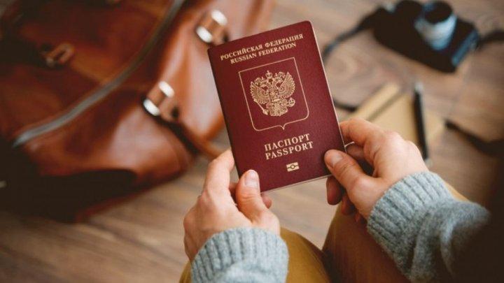 Guvernul de la Kiev NU va recunoaşte paşapoartele ruseşti emise pentru locuitorii din Donbass