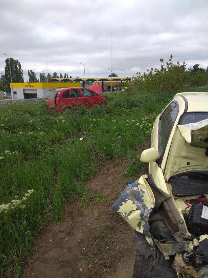 Accident grav în Capitală. Două persoane au fost transportate la spital (VIDEO)
