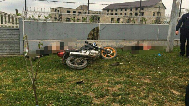 Accident cu implicarea unei motociclete în Cimișlia. Două persoane și-au pierdut viața (FOTO)