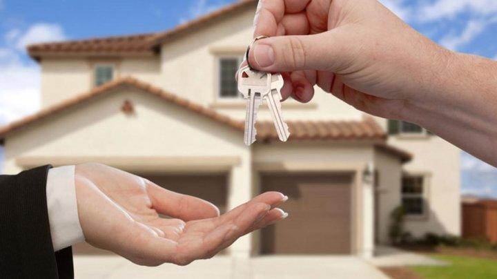 FISC: Tot mai mulţi moldoveni îşi dau apartamentele în chirie cu acte în regulă
