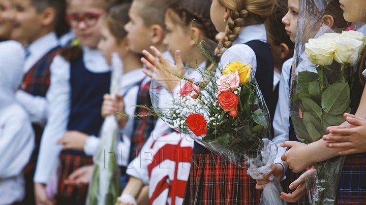 ADIO ŞCOALĂ! Mesajul ministrului Monica Babuc cu ocazia ultimului sunet de clopoţel: Să faceți cât mai multe fapte bune