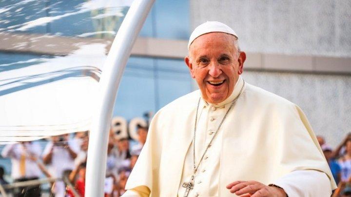 MOMENT ISTORIC. România îl va găzdui timp de trei zile pe Papa Francisc