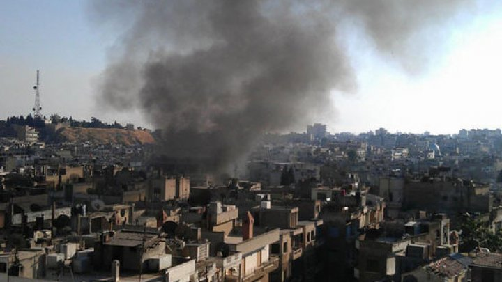 Cel puţin 12 civili au murit în urma unor atacuri aeriene ale forţelor guvernamentale în Siria