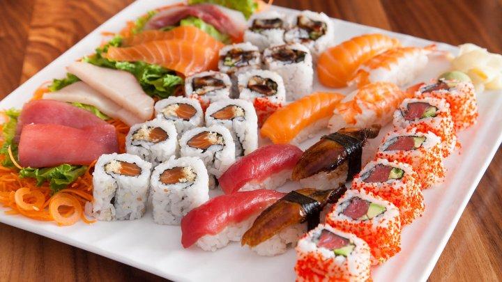 7 greșeli care pot transforma sushi într-un pericol pentru dietă