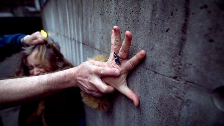 Un bărbat din Ialoveni, condamnat la 24 de ani închisoare pentru violul fiicei vitrege minore