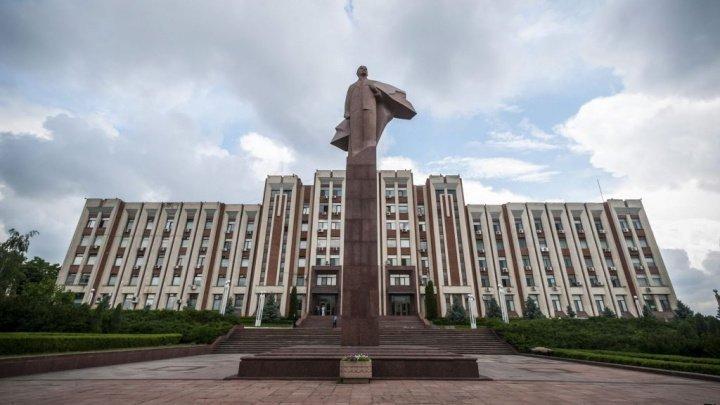 Chişinăul anulează interdicţiile pentru maşinile cu numere transnistrene
