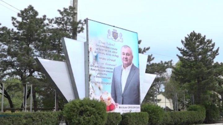 Primarul de Bălţi, ACUZAT că îşi face campanie electorală pe bani publici (VIDEO)