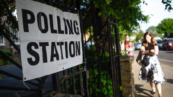 Secţii de votare evacuate la Londra, după descoperirea unei bombe din al Doilea Război Mondial