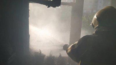INCENDIU PUTERNIC în sectorul Buiucani al Capitalei. Un apartament a fost cuprins de flăcări (FOTO)