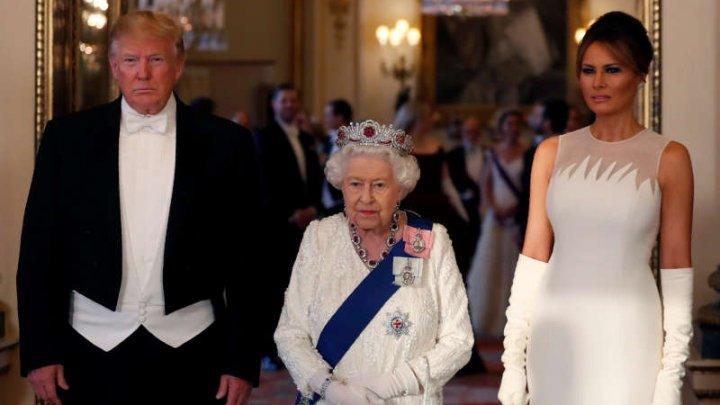 Ce cadou i-a dăruit Regina Elisabeta a II-a lui Donald Trump