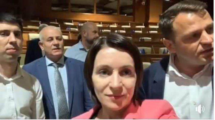 Blocul ACUM îi așteaptă pe cei de la PSRM la discuții în incinta Parlamentului