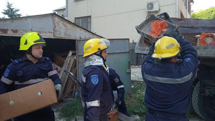 PRĂBUȘIREA BLOCULUI DE LA OTACI! Salvatorii au reluat lucrările (FOTO)