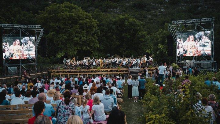 OPERĂ ÎN AER LIBER la Butuceni: La festival au participat peste 80 de artiști