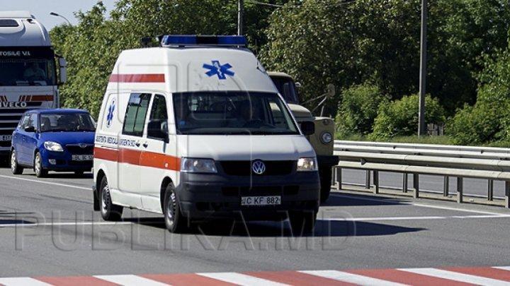 Incendiu la Hunedoara: 11 persoane, între care 3 copii, intoxicate cu fum