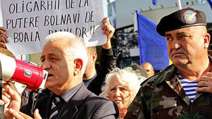 Polițistul Anatol Macovei, care ar fi bătut un subaltern, a fost concediat