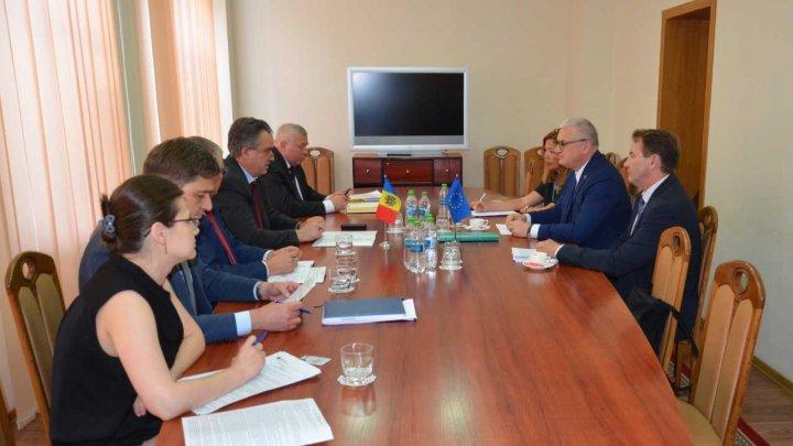 Vitalie Vrabie, la întrevederea cu șeful EUBAM: Serviciul Vamal va continua să promoveze extinderea controlului comun