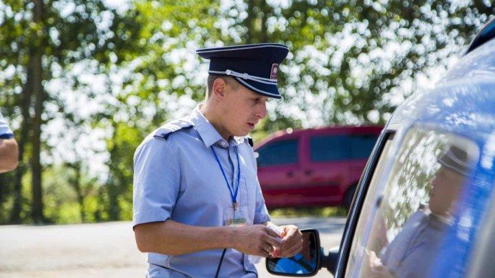 Descoperirea făcută de poliţiştii de frontieră într-un colet ce urma să ajungă din Moldova în Germania. Şoferul microbuzului, NEDUMERIT
