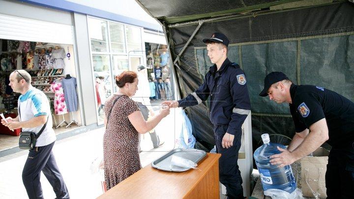 Corturile anticaniculă instalate în ţară, salvarea moldovenilor. Peste 6.000 de oameni au beneficiat de ajutor, în weekend