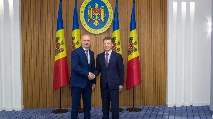 Pavel Filip s-a întâlnit cu Dmitri Kozak: Există interes comun de a coopera în beneficiul cetățenilor celor două state (FOTO)