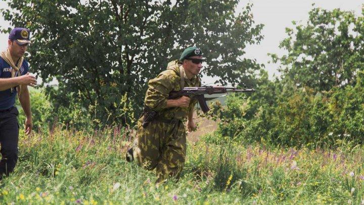 Polițiștii de frontieră, mai abili în mânuirea armelor (FOTO)