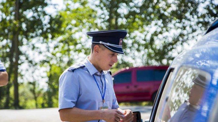 Un bărbat din Basarabeasca, reținut la frontieră pentru permis de conducere fals