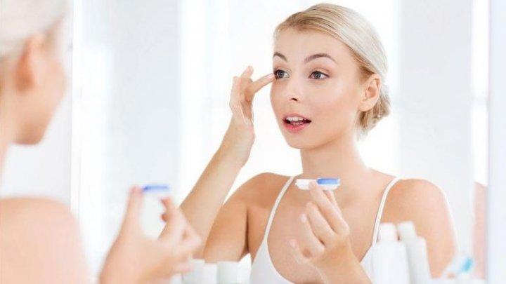 Ce aplici mai întâi: Crema hidratantă sau protecția solară