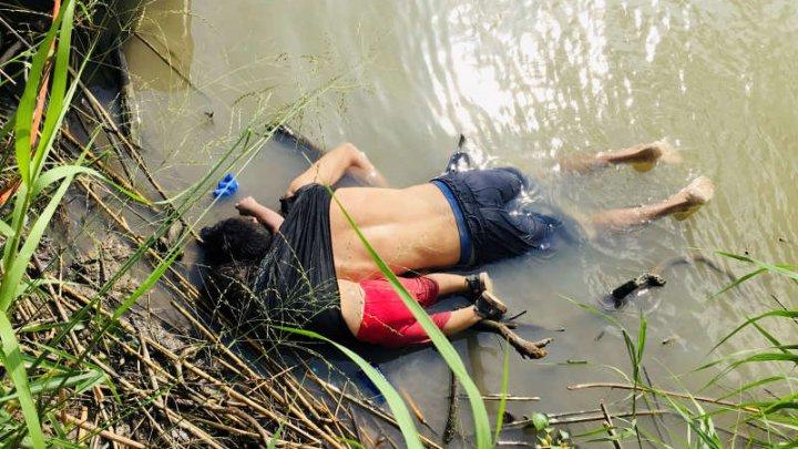 Indignare după mediatizarea unor fotografii cu un migrant salvadorian şi fiica sa înecaţi la frontiera mexicano-americană