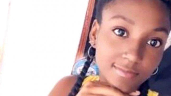 O tânără însărcinată a murit după ce s-a curentat