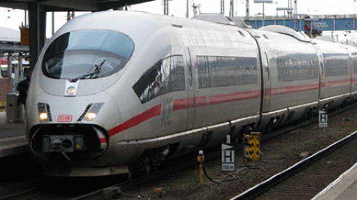 Sute de persoane evacuate dintr-un tren din Germania, din cauza caniculei