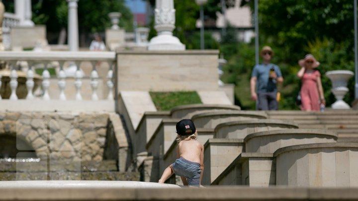 Moldova se va sufoca de căldură! Află cum să te protejezi de canicula din acest weekend (FOTOREPORT)