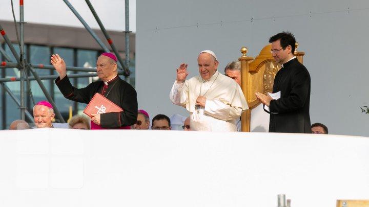 PLOAIE TORENȚIALĂ la Sibiu, înainte de plecarea Papei Francisc