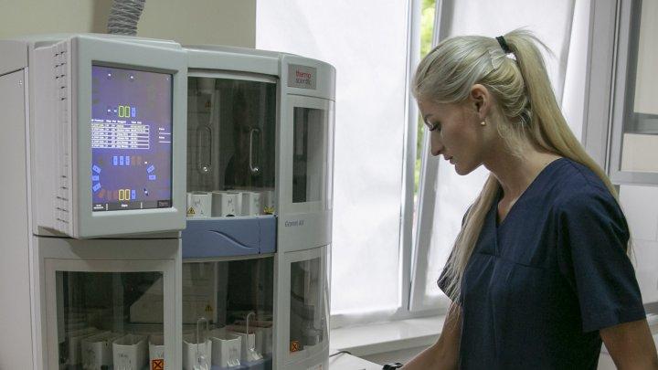 Nu vei mai sta în rând pentru un control de screening de col uterin! Spitalul Republican a fost dotat cu echipament performant