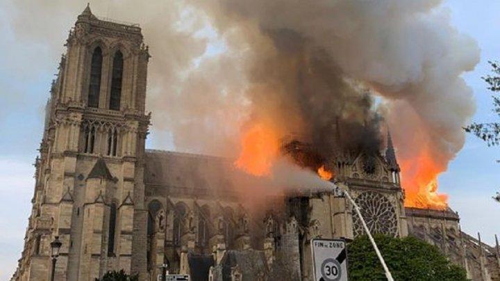 INCENDIUL de la Notre Dame. Anchetatorii spun de la ce ar fi pornit FOCUL
