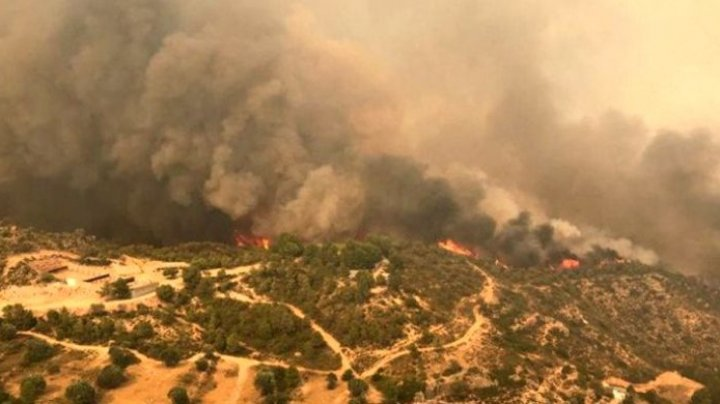 Incendii în sudul Franţei: Peste 2.500 de turişti au fost evacuați