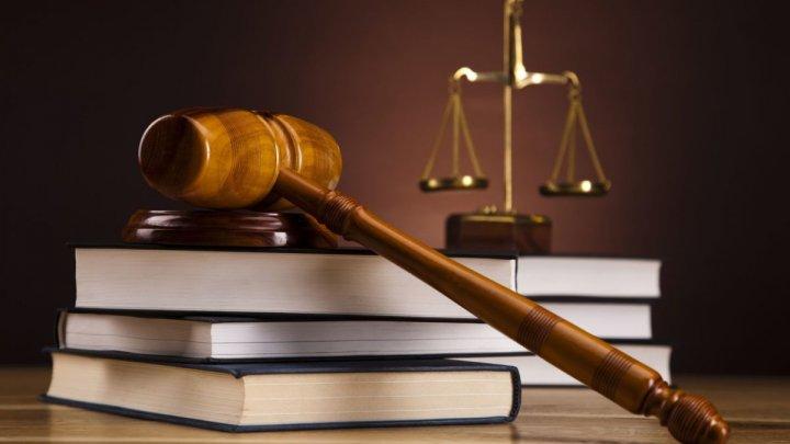 """Experții judiciari din Moldova """"citesc"""" urmele de la locul faptei și contribuie la înfăptuirea justiției"""