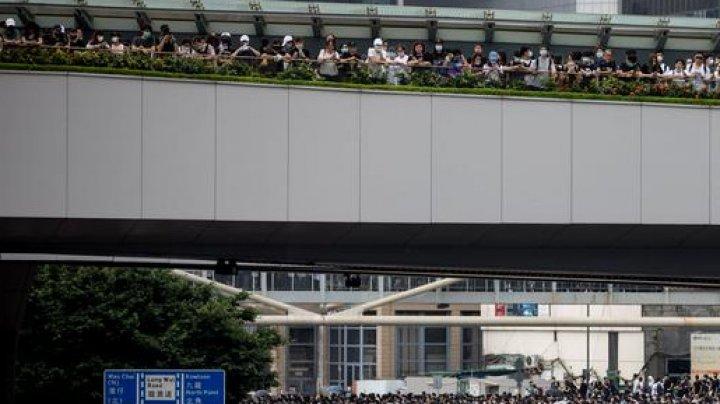 Protest masiv în Hong Kong față de legea extrădării