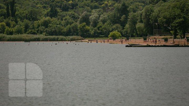 AVERTISMENTUL ANSP: Scăldatul în lacurile din Capitală este PERICULOS. Ce s-a depistat în apă
