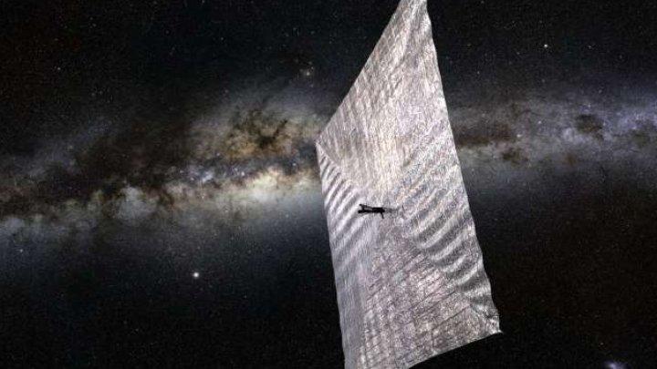 Un satelit propulsat de o velă solară din polister strălucitor va fi lansat de SpaceX pe 24 iunie