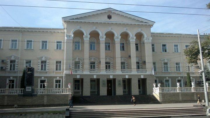 Poliţia din Taraclia se subordonează Guvernului condus de Pavel Filip şi Ministerului condus de Alexandru Jizdan